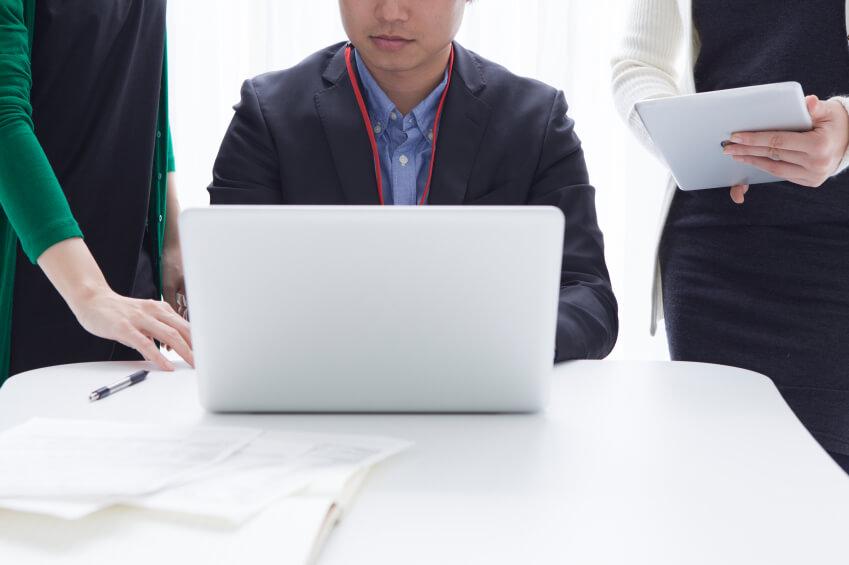 management reporting challenges bottlenecks