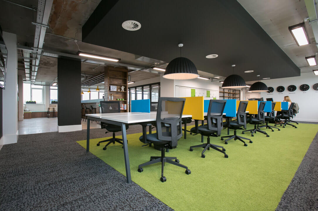 matillion-new-office-hotdesk_30